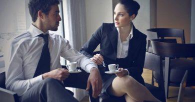 E thotë shkenca: Të flirtosh me kolegët – largon stresin