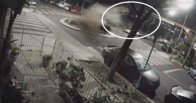 BMW-ja fluturon në ajër, kamerat kapin momentin e frikshëm (Video)