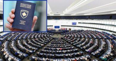 Eurodeputetët i bëjnë thirrje Këshillit Europian që t'ia liberalizojë vizat Kosovës pa vonesë