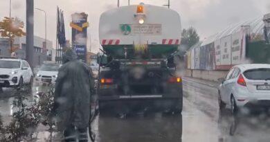 Ndhodh edhe kjo, shiu nuk ka të ndalur, por në Prizren ujiten lulet!